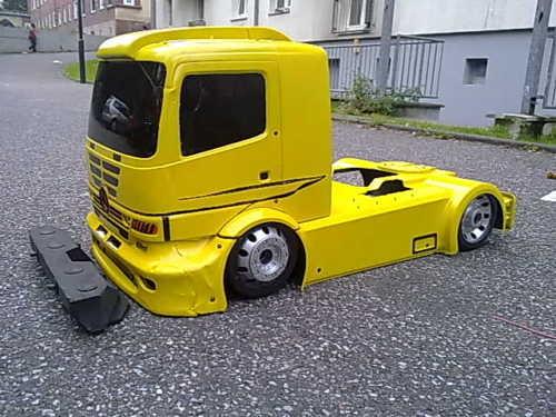 carrosserie camion rc 1:6 Fg mercedes atego lexan jaune