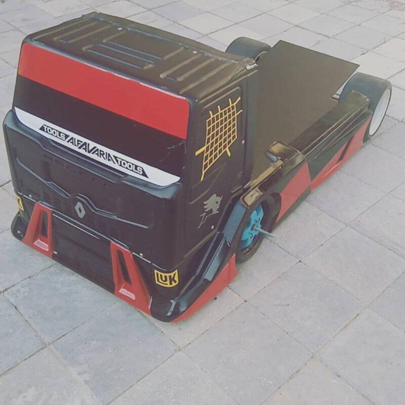 carrosserie 1:6 camion Renault truck premium racing 2011